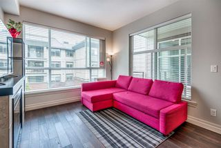 """Photo 8: 301 2343 ATKINS Avenue in Port Coquitlam: Central Pt Coquitlam Condo for sale in """"PEARL"""" : MLS®# R2372122"""