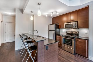 """Photo 5: 301 2343 ATKINS Avenue in Port Coquitlam: Central Pt Coquitlam Condo for sale in """"PEARL"""" : MLS®# R2372122"""