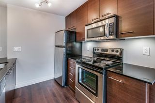 """Photo 7: 301 2343 ATKINS Avenue in Port Coquitlam: Central Pt Coquitlam Condo for sale in """"PEARL"""" : MLS®# R2372122"""