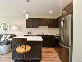 Photo 4: A 336 Petersen Rd in CAMPBELL RIVER: CR Campbell River West Row/Townhouse for sale (Campbell River)  : MLS®# 816324