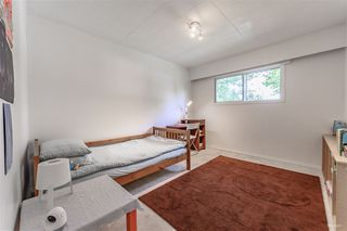 Photo 8: 15095 85A Avenue in Surrey: Bear Creek Green Timbers House for sale : MLS®# R2377673