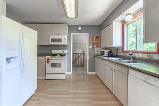 Photo 6: 15095 85A Avenue in Surrey: Bear Creek Green Timbers House for sale : MLS®# R2377673