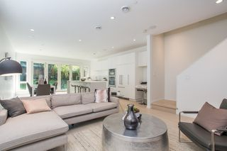 Photo 2: 4263 QUEBEC Street in Vancouver: Main House for sale (Vancouver East)  : MLS®# R2380119