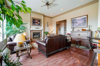 "Photo 4: 35647 TERRAVISTA Place in Abbotsford: Abbotsford East House for sale in ""The Highlands"" : MLS®# R2380299"