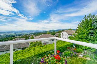 "Photo 10: 35647 TERRAVISTA Place in Abbotsford: Abbotsford East House for sale in ""The Highlands"" : MLS®# R2380299"