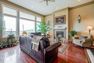 "Photo 3: 35647 TERRAVISTA Place in Abbotsford: Abbotsford East House for sale in ""The Highlands"" : MLS®# R2380299"