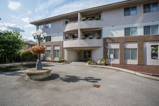 "Main Photo: 201 19128 FORD Road in Pitt Meadows: Central Meadows Condo for sale in ""BEACON SQUARE"" : MLS®# R2390517"
