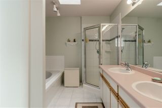 Photo 14: 2768 WESTLAKE Drive in Coquitlam: Coquitlam East House for sale : MLS®# R2396753