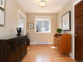 Photo 16: 2 2310 Wark St in VICTORIA: Vi Central Park Row/Townhouse for sale (Victoria)  : MLS®# 822852