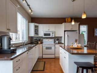 Photo 4: 2894 Ulverston Ave in CUMBERLAND: CV Cumberland House for sale (Comox Valley)  : MLS®# 827451