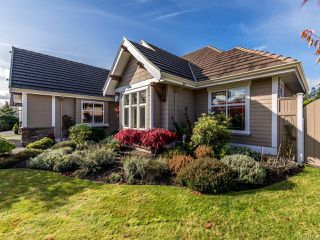 Photo 11: 3240 Majestic Dr in COURTENAY: CV Crown Isle House for sale (Comox Valley)  : MLS®# 827726