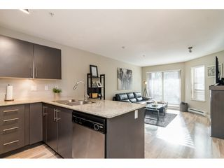 "Photo 11: 113 8915 202 Street in Langley: Walnut Grove Condo for sale in ""THE HAWTHORNE"" : MLS®# R2444586"