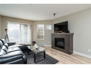 "Photo 4: 113 8915 202 Street in Langley: Walnut Grove Condo for sale in ""THE HAWTHORNE"" : MLS®# R2444586"