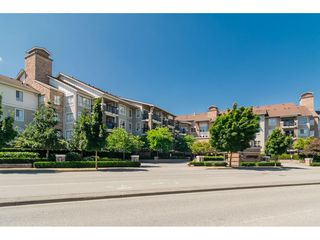 "Photo 2: 113 8915 202 Street in Langley: Walnut Grove Condo for sale in ""THE HAWTHORNE"" : MLS®# R2444586"
