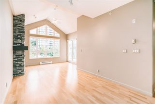 """Photo 12: 509 14 E ROYAL Avenue in New Westminster: Fraserview NW Condo for sale in """"Victoria Hill"""" : MLS®# R2472511"""