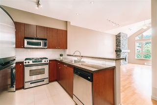 """Photo 1: 509 14 E ROYAL Avenue in New Westminster: Fraserview NW Condo for sale in """"Victoria Hill"""" : MLS®# R2472511"""