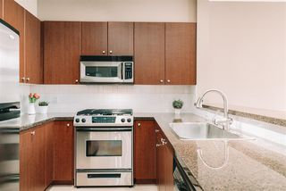 """Photo 5: 509 14 E ROYAL Avenue in New Westminster: Fraserview NW Condo for sale in """"Victoria Hill"""" : MLS®# R2472511"""