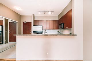 """Photo 6: 509 14 E ROYAL Avenue in New Westminster: Fraserview NW Condo for sale in """"Victoria Hill"""" : MLS®# R2472511"""