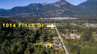 Photo 1: 1014 FINCH Drive in Squamish: Brennan Center House for sale : MLS®# R2497146