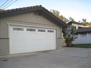 Photo 3: SPRING VALLEY House for sale : 3 bedrooms : 8824 Golf
