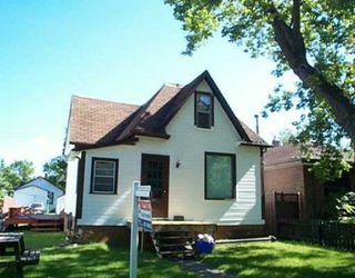 Main Photo: 119 Kingsbury Ave.: Residential for sale (Garden City)  : MLS®# 2512317