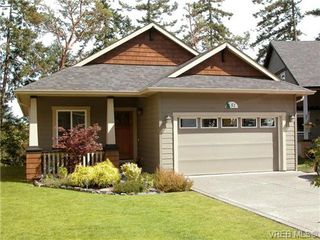 Photo 1: 51 DeGoutiere Place in VICTORIA: VR Six Mile Residential for sale (View Royal)  : MLS®# 326600