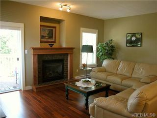 Photo 6: 51 DeGoutiere Place in VICTORIA: VR Six Mile Residential for sale (View Royal)  : MLS®# 326600