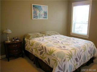 Photo 7: 51 DeGoutiere Place in VICTORIA: VR Six Mile Residential for sale (View Royal)  : MLS®# 326600