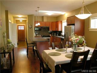 Photo 3: 51 DeGoutiere Place in VICTORIA: VR Six Mile Residential for sale (View Royal)  : MLS®# 326600