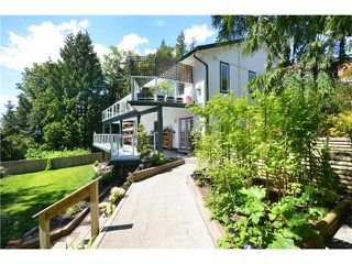 Photo 3: 181 GRANDVIEW HT in Gibsons: Gibsons & Area House for sale (Sunshine Coast)  : MLS®# V953766