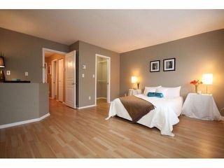 "Photo 2: # 7 15488 101A AV in Surrey: Guildford Townhouse for sale in ""COBBLEFIELD LANE"" (North Surrey)  : MLS®# F1401306"