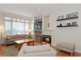 "Photo 2: 1 119 E 6TH Street in North Vancouver: Lower Lonsdale Townhouse for sale in ""CARRIAGE GATE LANE"" : MLS®# V1049738"