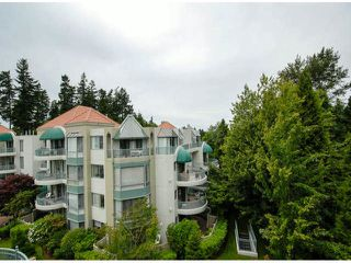 "Photo 11: 403 1765 MARTIN Drive in Surrey: Sunnyside Park Surrey Condo for sale in ""SOUTHWYND"" (South Surrey White Rock)  : MLS®# F1415442"