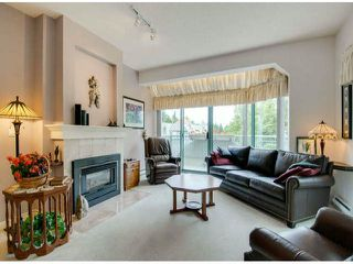 "Photo 3: 403 1765 MARTIN Drive in Surrey: Sunnyside Park Surrey Condo for sale in ""SOUTHWYND"" (South Surrey White Rock)  : MLS®# F1415442"