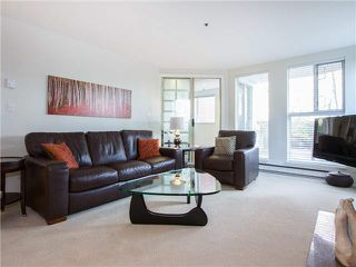"Photo 2: 102 1502 ISLAND PARK Walk in Vancouver: False Creek Condo for sale in ""THE LAGOONS"" (Vancouver West)  : MLS®# V1108312"