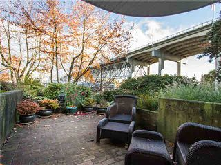 "Photo 17: 102 1502 ISLAND PARK Walk in Vancouver: False Creek Condo for sale in ""THE LAGOONS"" (Vancouver West)  : MLS®# V1108312"