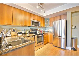 """Photo 10: 203 1718 VENABLES Street in Vancouver: Grandview VE Condo for sale in """"THE DRIVE-CITY VIEW TERRACES"""" (Vancouver East)  : MLS®# V1108596"""