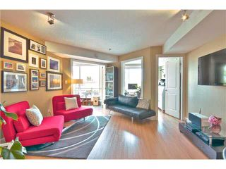 """Photo 2: 203 1718 VENABLES Street in Vancouver: Grandview VE Condo for sale in """"THE DRIVE-CITY VIEW TERRACES"""" (Vancouver East)  : MLS®# V1108596"""
