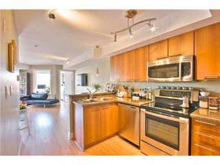 """Photo 11: 203 1718 VENABLES Street in Vancouver: Grandview VE Condo for sale in """"THE DRIVE-CITY VIEW TERRACES"""" (Vancouver East)  : MLS®# V1108596"""