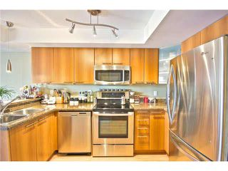 """Photo 8: 203 1718 VENABLES Street in Vancouver: Grandview VE Condo for sale in """"THE DRIVE-CITY VIEW TERRACES"""" (Vancouver East)  : MLS®# V1108596"""