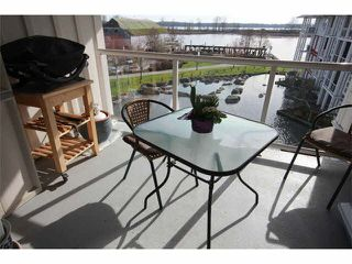 "Photo 14: 402 4600 WESTWATER Drive in Richmond: Steveston South Condo for sale in ""COPPER SKY"" : MLS®# V1110411"