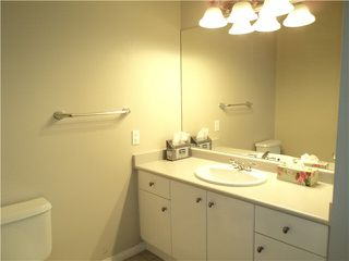 """Photo 7: 18 1765 PADDOCK Drive in Coquitlam: Westwood Plateau Townhouse for sale in """"WORTHING GREEN"""" : MLS®# V1111554"""