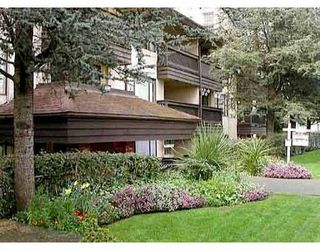 """Photo 1: 205 436 7TH ST in New Westminster: Uptown NW Condo for sale in """"Regency Court"""" : MLS®# V532542"""