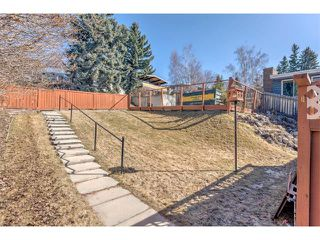 Photo 18: 2740 CRAWFORD Road NW in Calgary: Charleswood House for sale : MLS®# C4006671