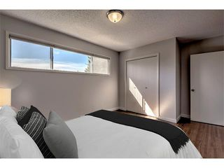 Photo 5: 2740 CRAWFORD Road NW in Calgary: Charleswood House for sale : MLS®# C4006671