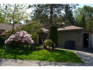 Photo 2: 1754 LILAC Drive in Surrey: King George Corridor Townhouse for sale (South Surrey White Rock)  : MLS®# F1439849