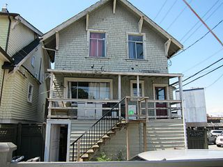 Photo 2: 2026 MACDONALD Street in Vancouver: Kitsilano House for sale (Vancouver West)  : MLS®# V1130765
