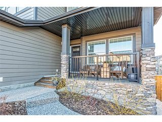 Photo 2: 12 ROCKFORD Terrace NW in Calgary: Rocky Ridge House for sale : MLS®# C4050751