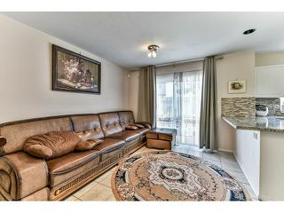 "Photo 8: 162 15501 89A Avenue in Surrey: Fleetwood Tynehead Townhouse for sale in ""AVONDALE"" : MLS®# R2058419"