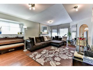 "Photo 2: 162 15501 89A Avenue in Surrey: Fleetwood Tynehead Townhouse for sale in ""AVONDALE"" : MLS®# R2058419"